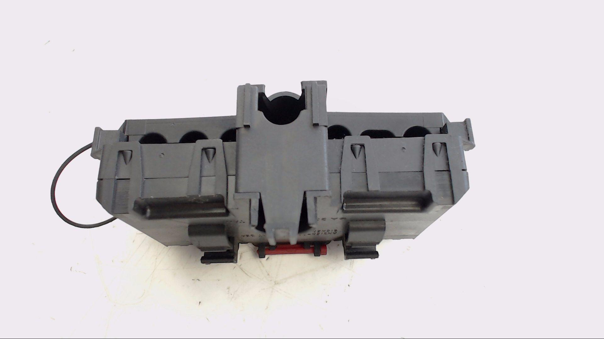 mercedes benz c klasse batterie sicherungskasten. Black Bedroom Furniture Sets. Home Design Ideas